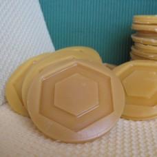 Mesilasvahast rattad läbimõõduga 6, 5 cm